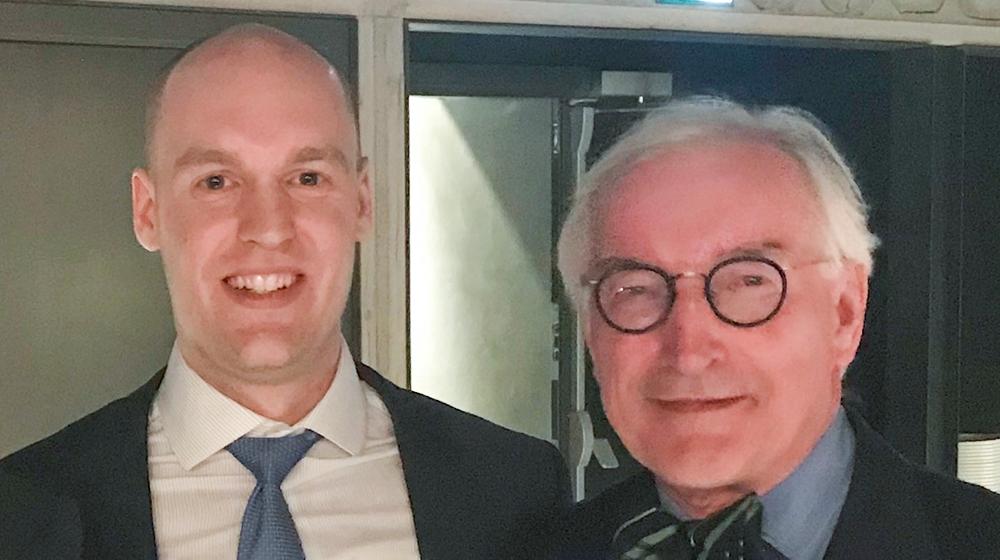 Dr. Kyle Martin and Dr. Lars Engebretsen standing together.