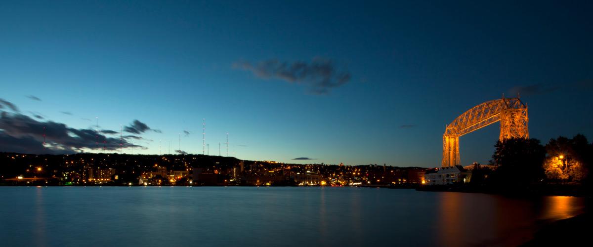 Night shot of the Duluth lift bridge