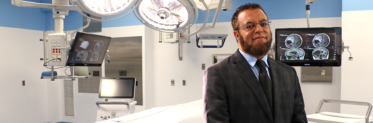 Dr. McKinney standing in the imris surgical suite