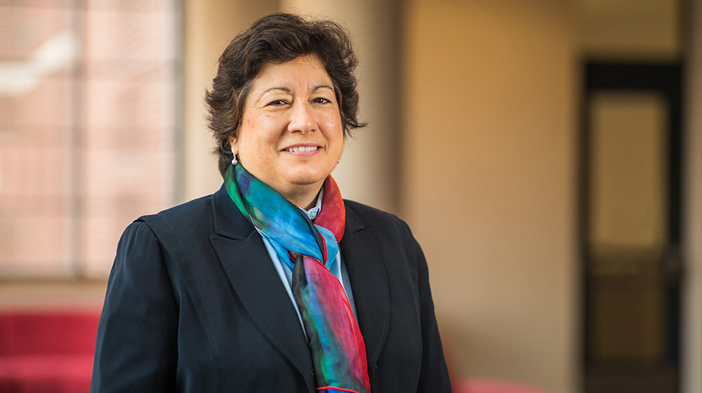 Dr. Ana Nunez