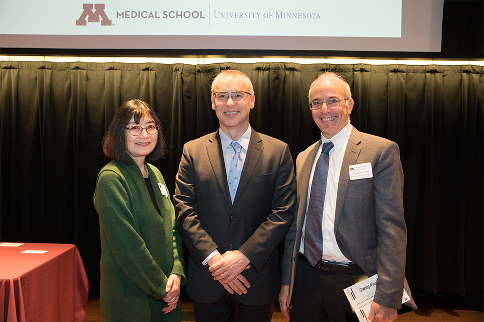 Dean Jakub Tolar with 2017 DDRL honorees Drs. Stephen Hecht and Dorothy Hatsukami